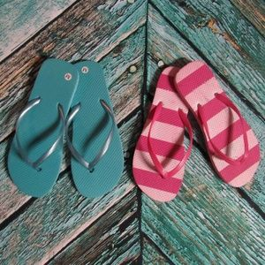 Set of 2 old Navy blue & pink striped flip flops M